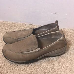 Merrell tan slip in tan comfort shoe size 6